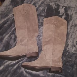NWOB Tall Suede Frye&Co boots